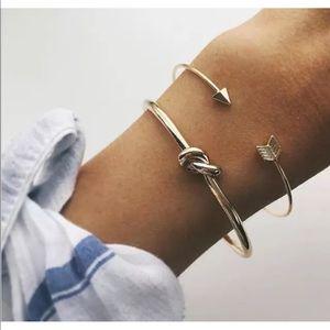 Jewelry - ➷ Gold Bracelet Set ➷